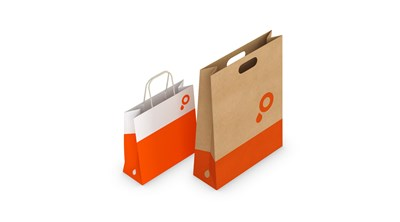 Paper carrier bags with kraft paper